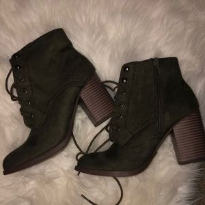 Shoes - NWOT lace up heeled booties